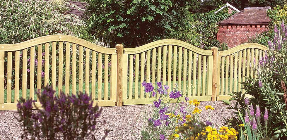 Garden Fencing For Period Homes Living