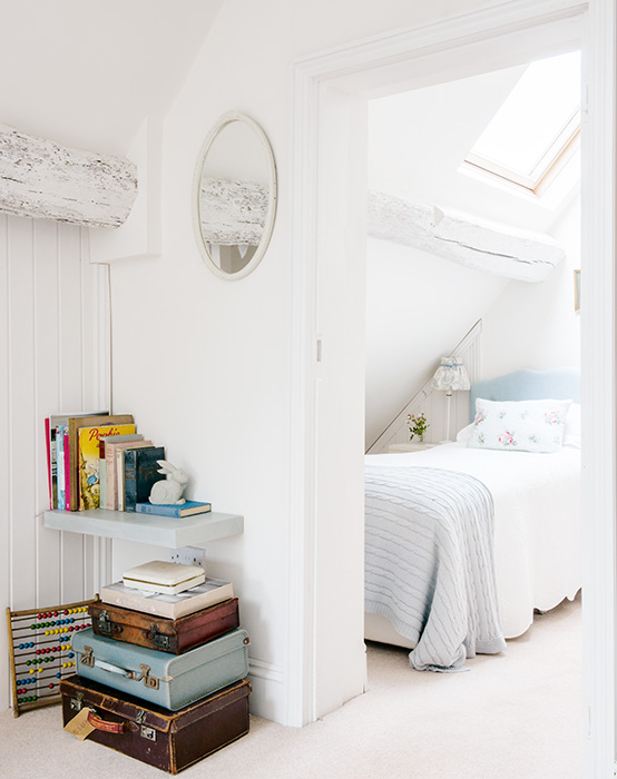 loft-conversion-bedroom-and-hall-white