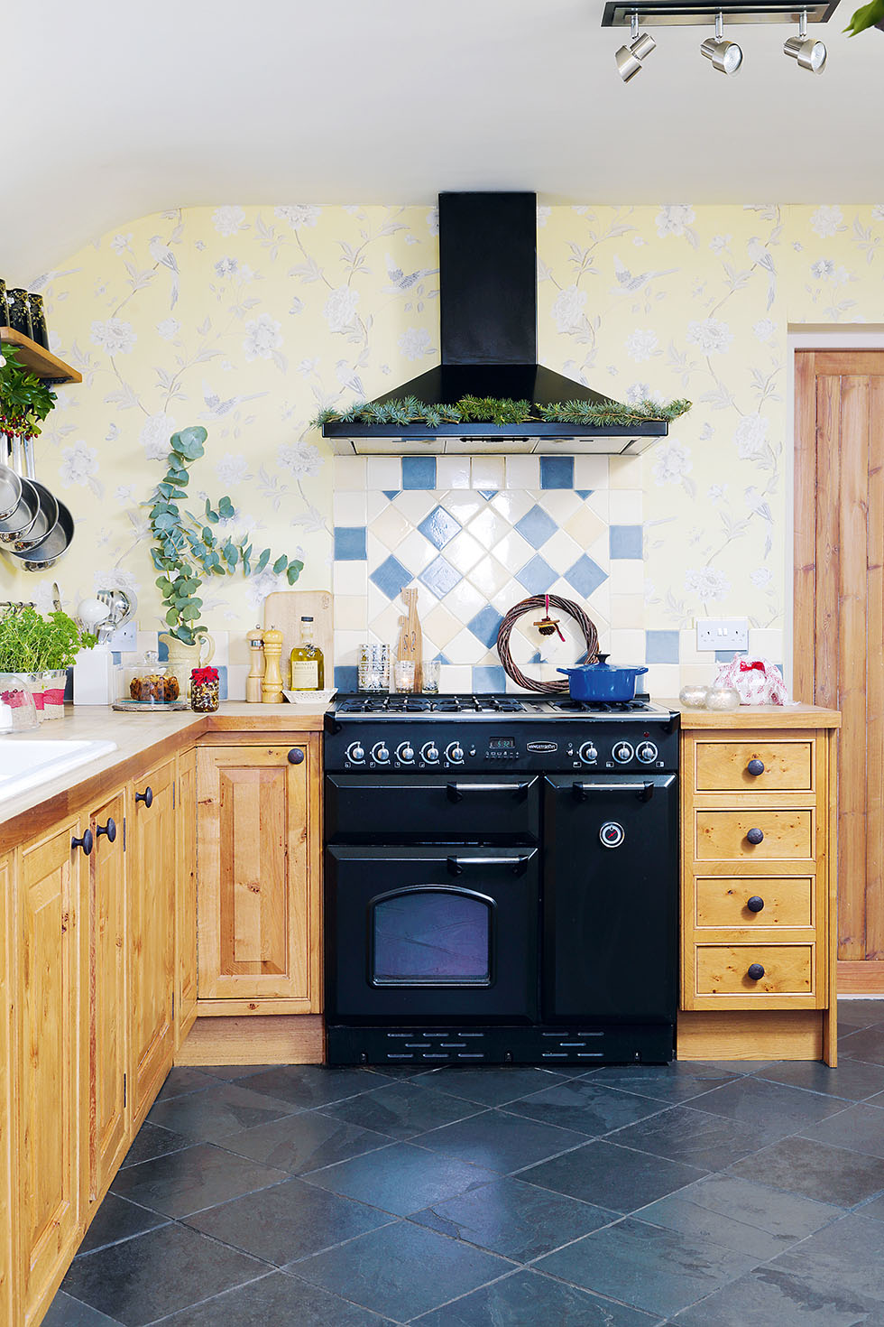king-cottage-kitchen