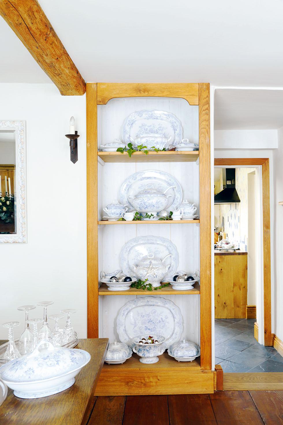king-cottage-plate-storage
