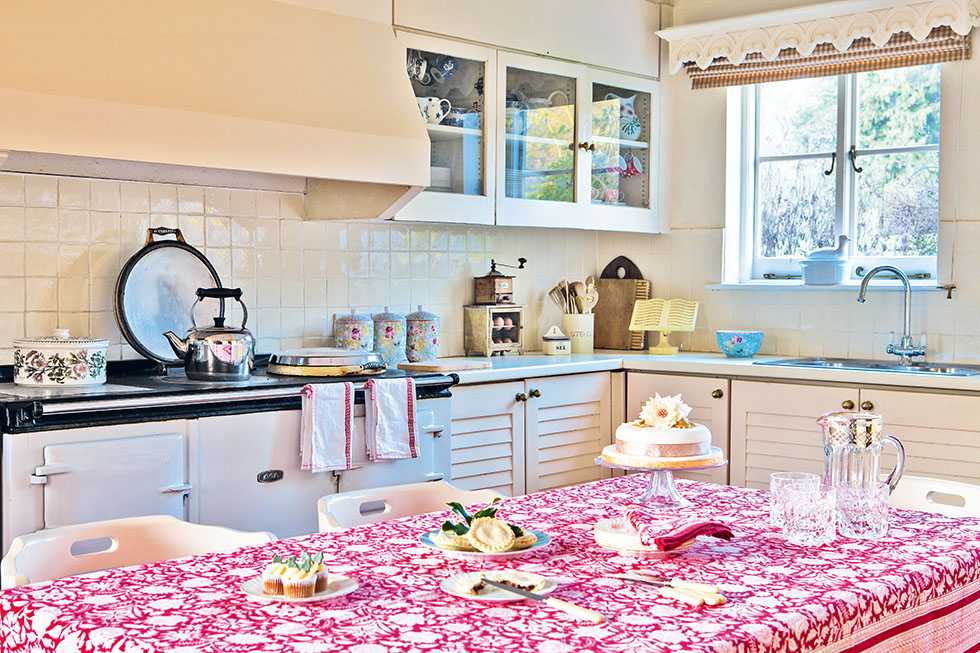stanton-hall-house-kitchen