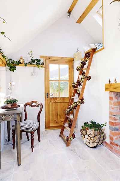 king-cottage-mezzanine-floor