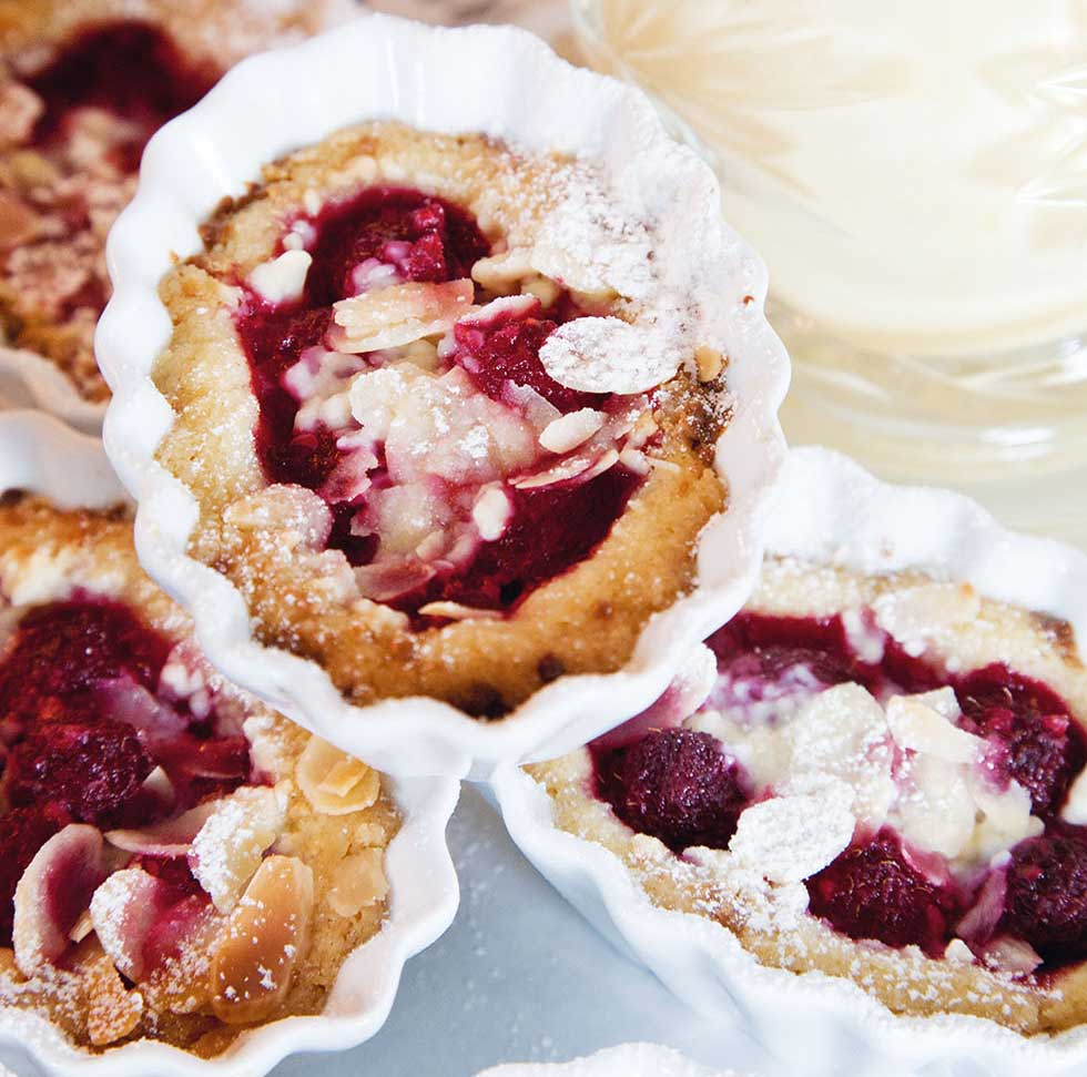 raspberry and white chocolate crunch pies