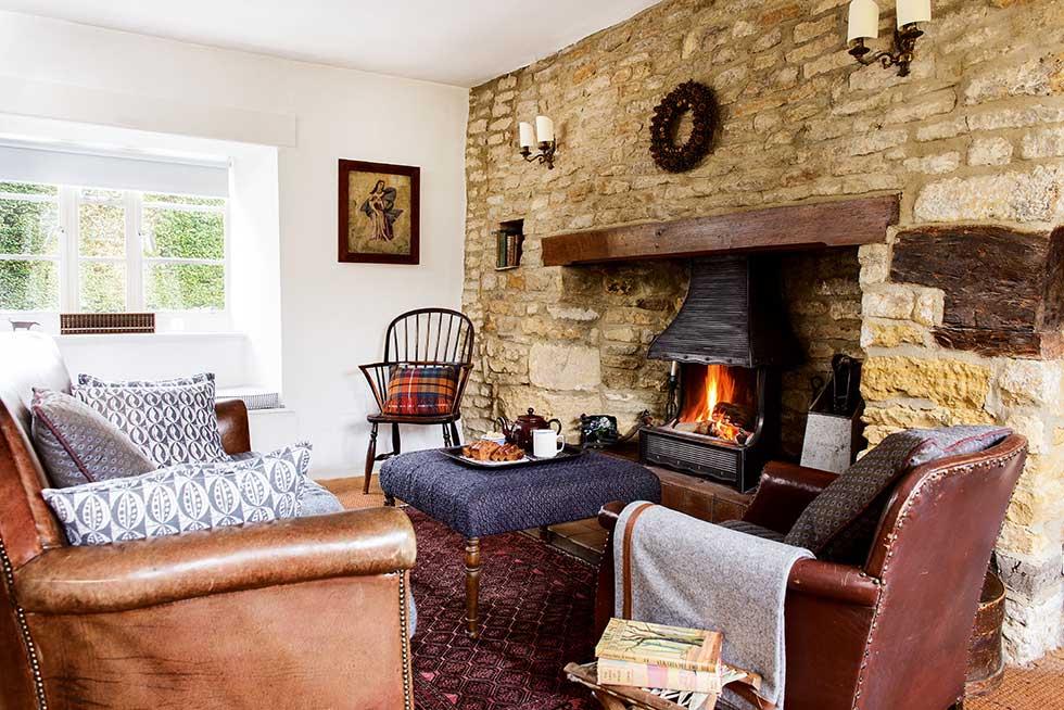 Lewis-powell-cottage-living-room-inglenook