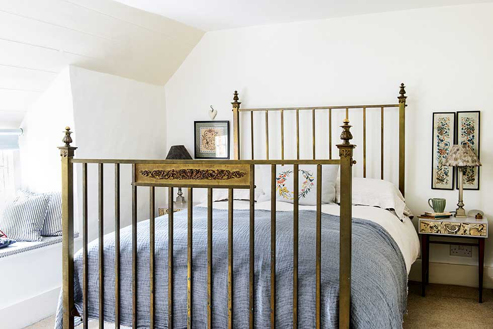 Lewis-powell-cottage-master-bedroom
