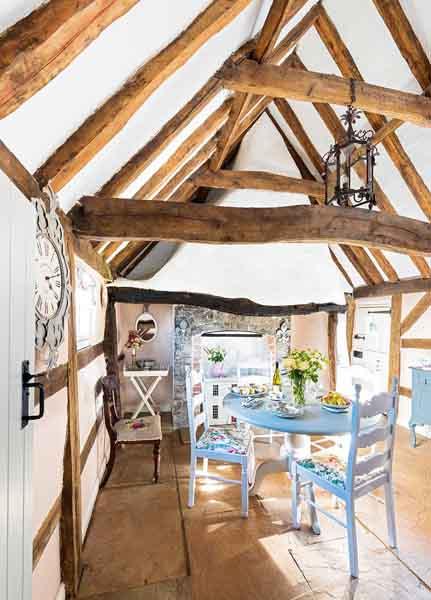 lewis-cottage-dining-room