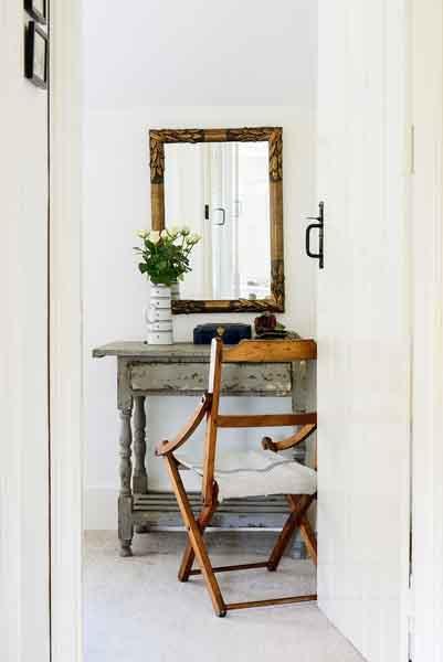Lewis-powell-cottage-desk-detail