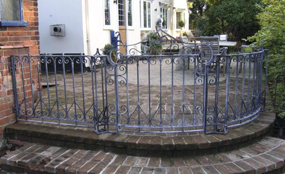 garden gate rayment wire