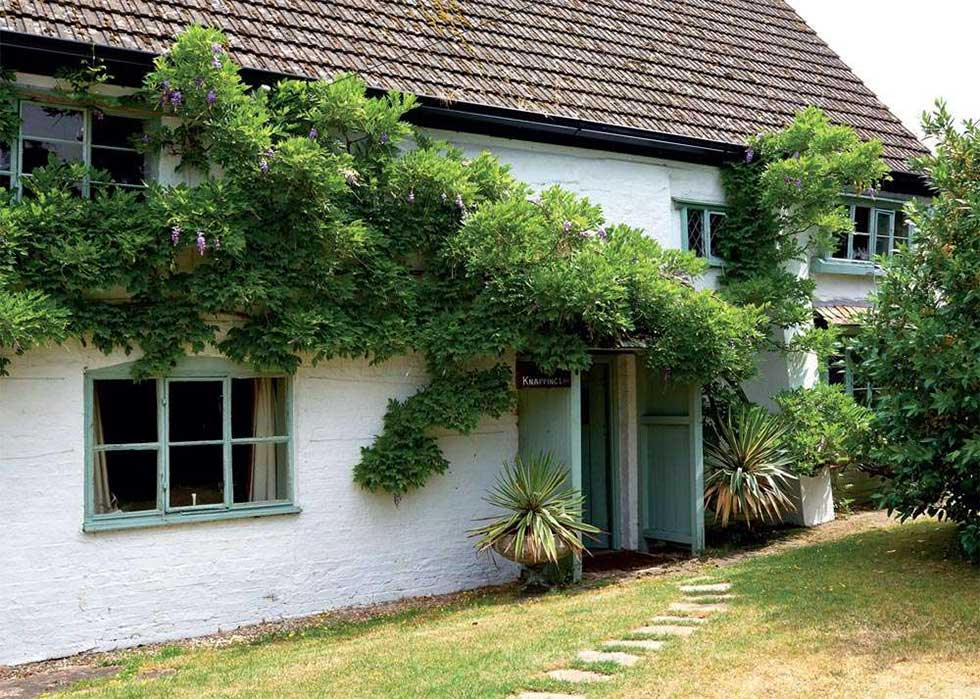 14th century cottage gloucestershire grade II listed