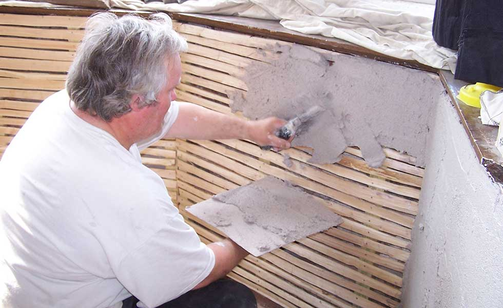 Lime plastering period building renovation