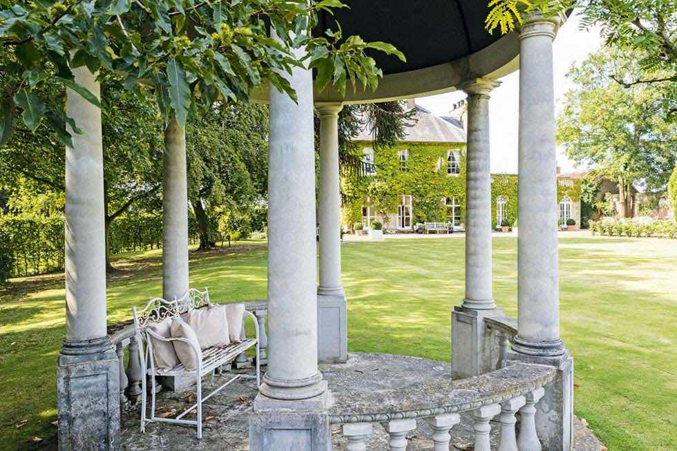 Neo-classical garden rooms bandstand