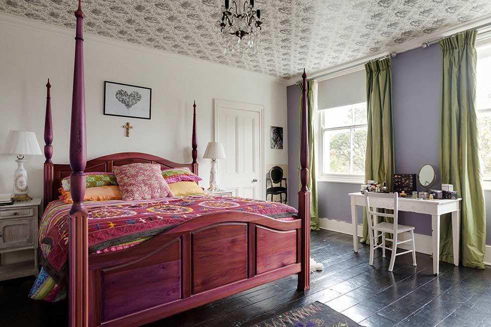 four-post-bed-colourful-victorian-villa