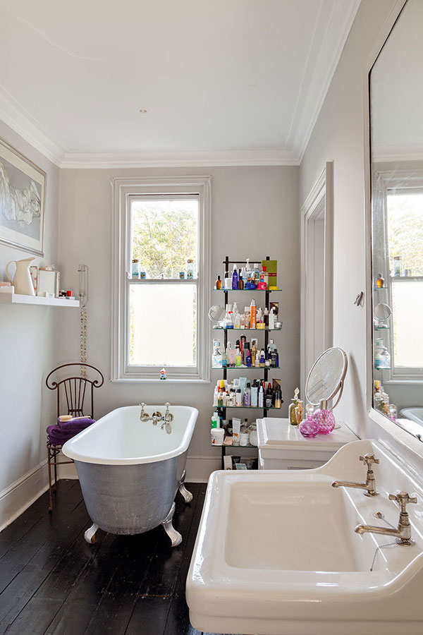 8 small but beautiful bathrooms period living for Beautiful tiny bathrooms