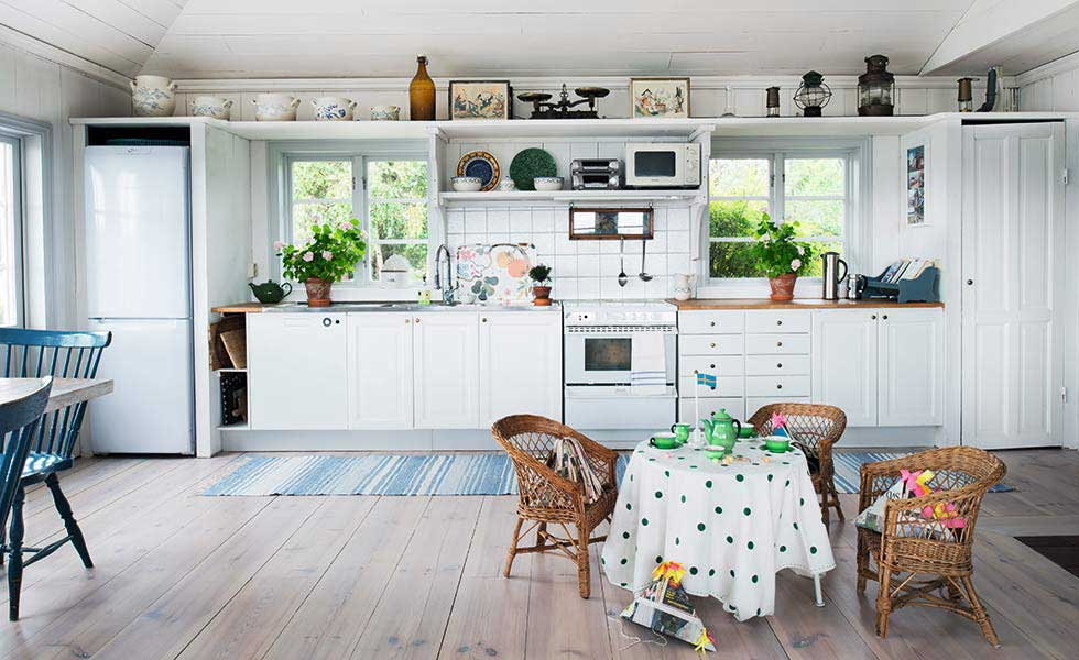 Open Plan Spaces In Traditional Homes Period Living - Traditional swedish homes