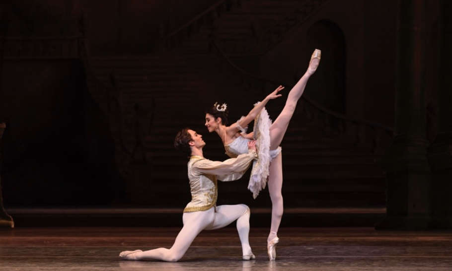 Two Christmas treats from the Royal Ballet