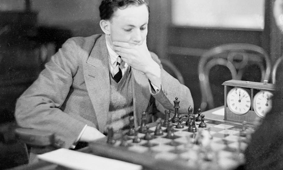 Chess: Oxford versus Cambridge