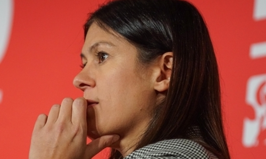Can Lisa Nandy square Labour's foreign policy circle?