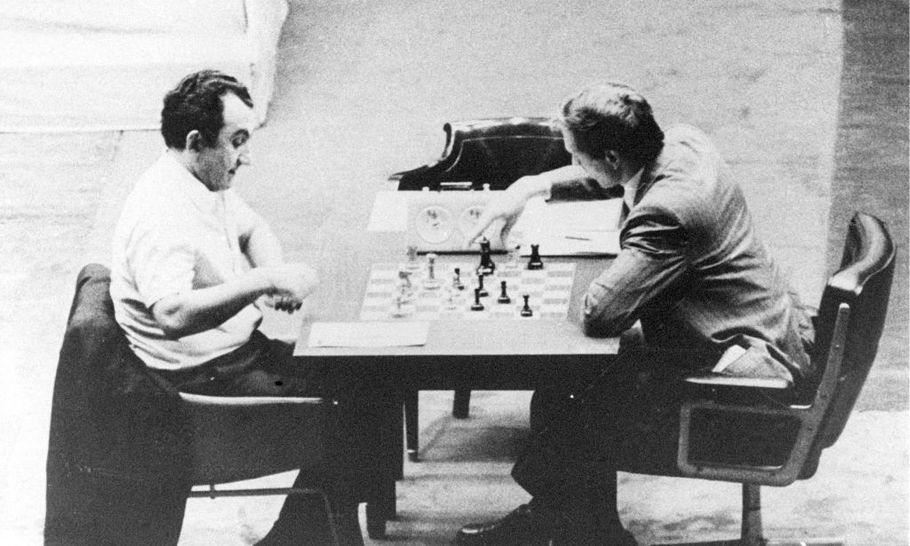 A Soviet survivor: the case of Tigran Petrosian