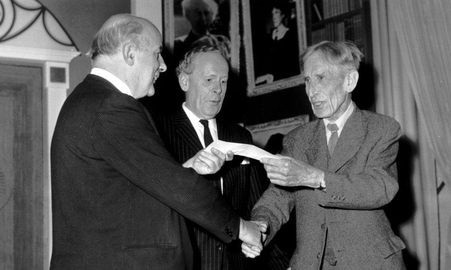 Revelation and insight in autobiography: Leonard Woolf, Arthur Koestler, André Malraux and Vladimir Nabokov