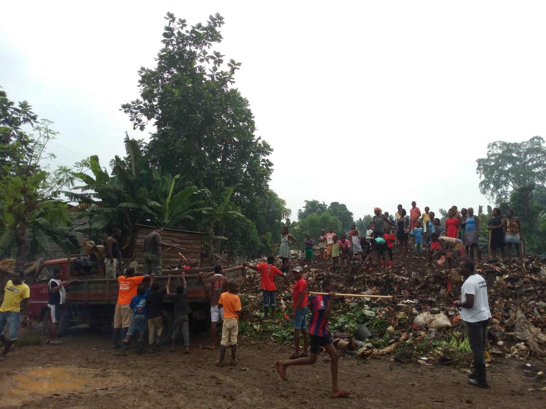 Limpeza Lixo_Grupo Comunitário São Tomé