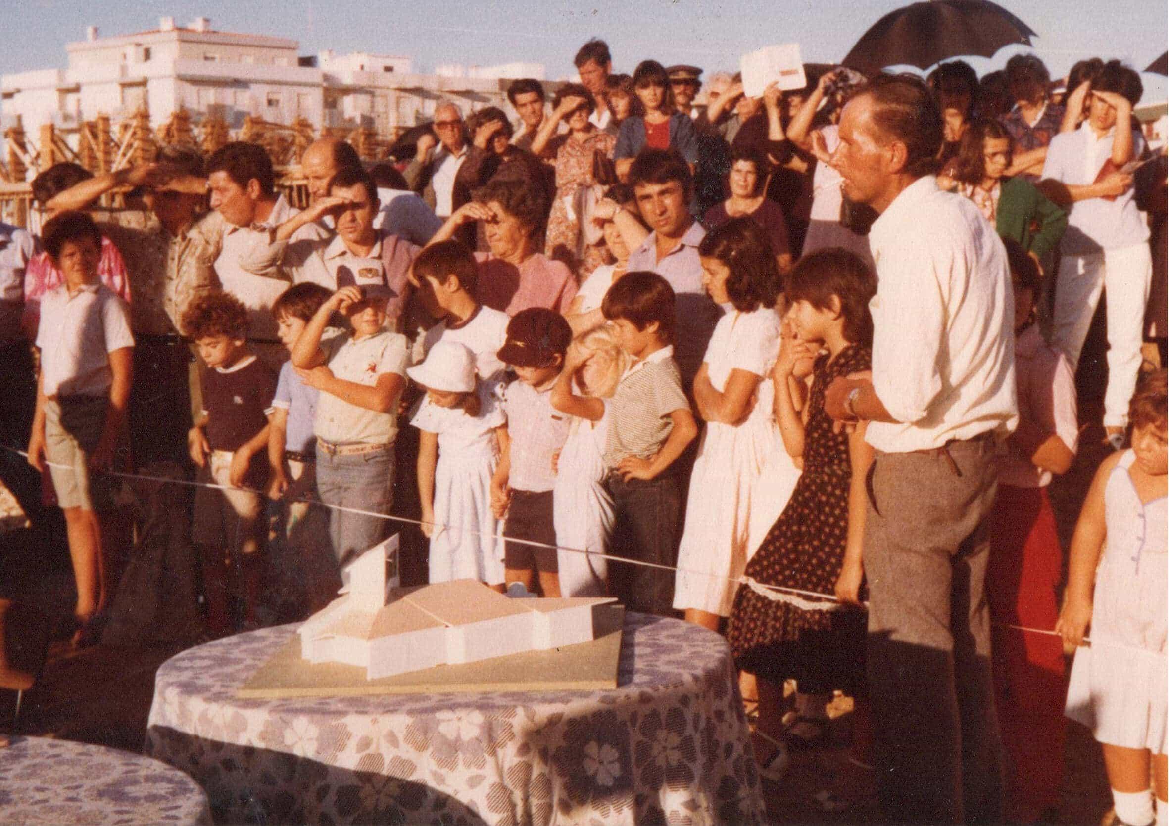 historia-1o-pedra-da-igreja-11-out-1981-copia
