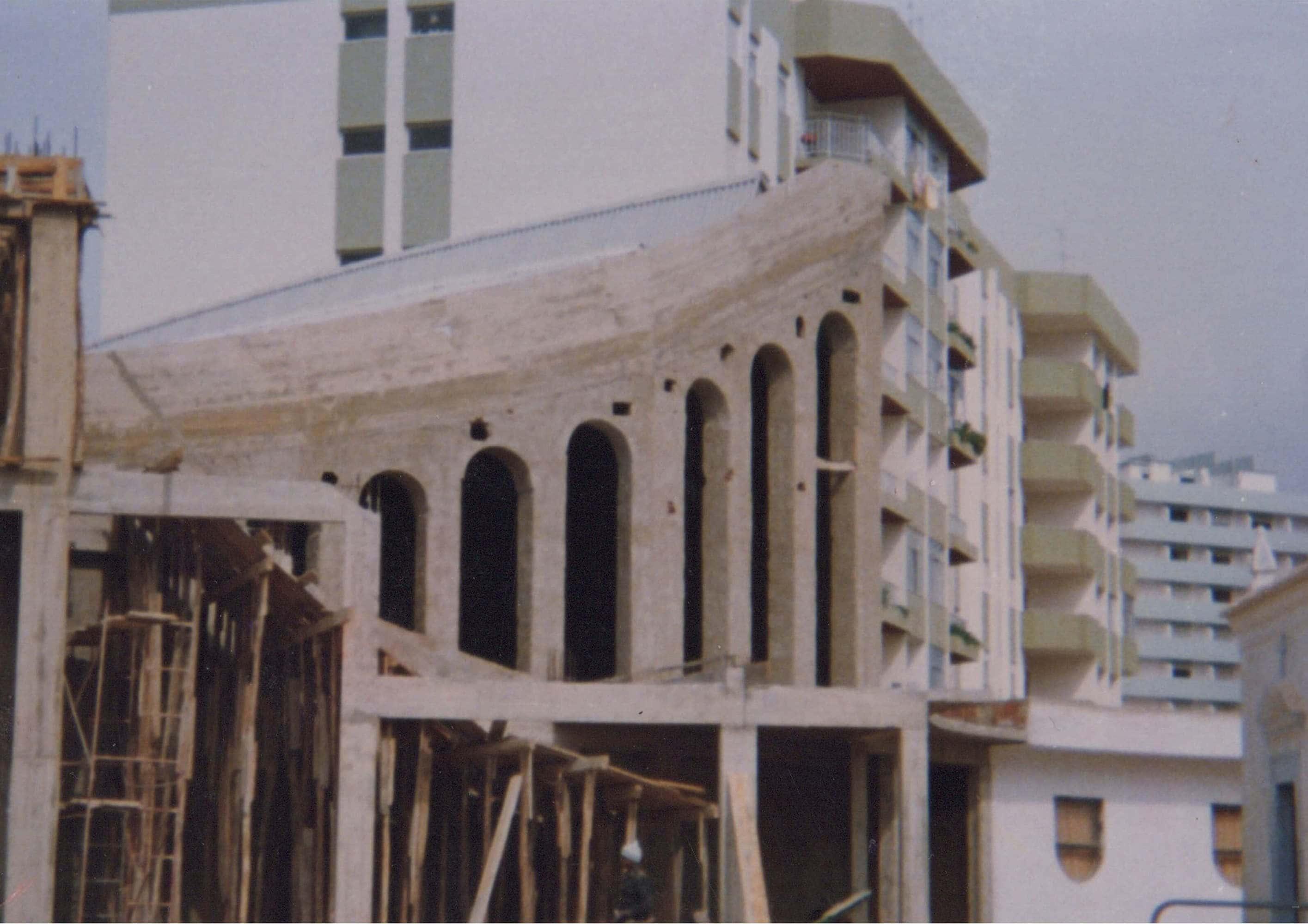 historia-igreja-historia-exterior-da-igreja-em-obras