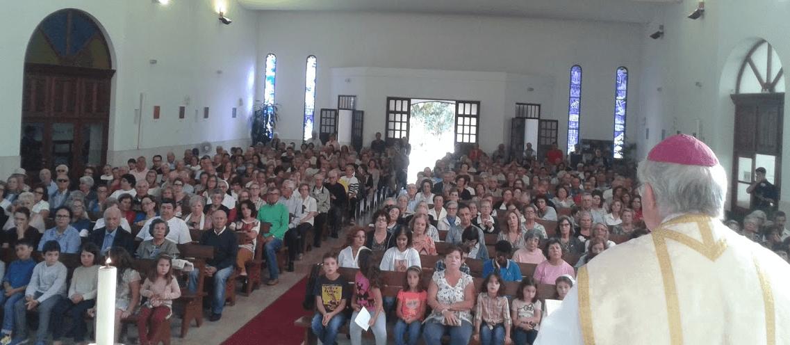 sr-bispo-na-missa-da-festa-da-paroquia-20151
