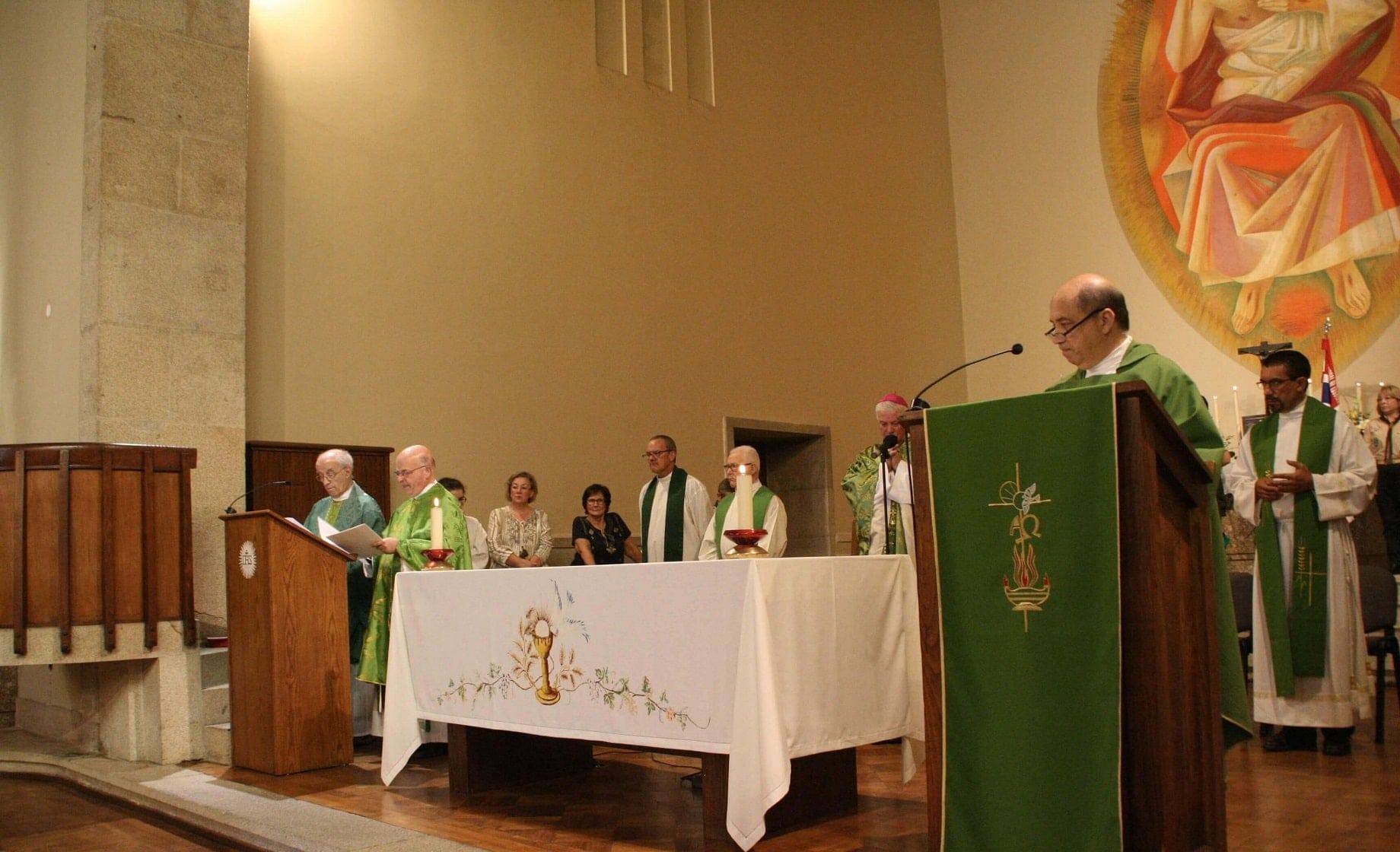 site_tomadas_posse_tres_-sacerdotes1