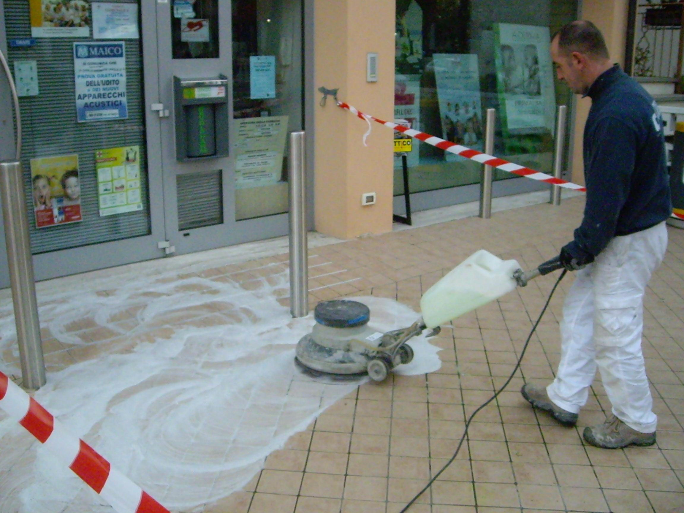 Trattamento antiscivolo per pavimenti piastrelle e ceramica