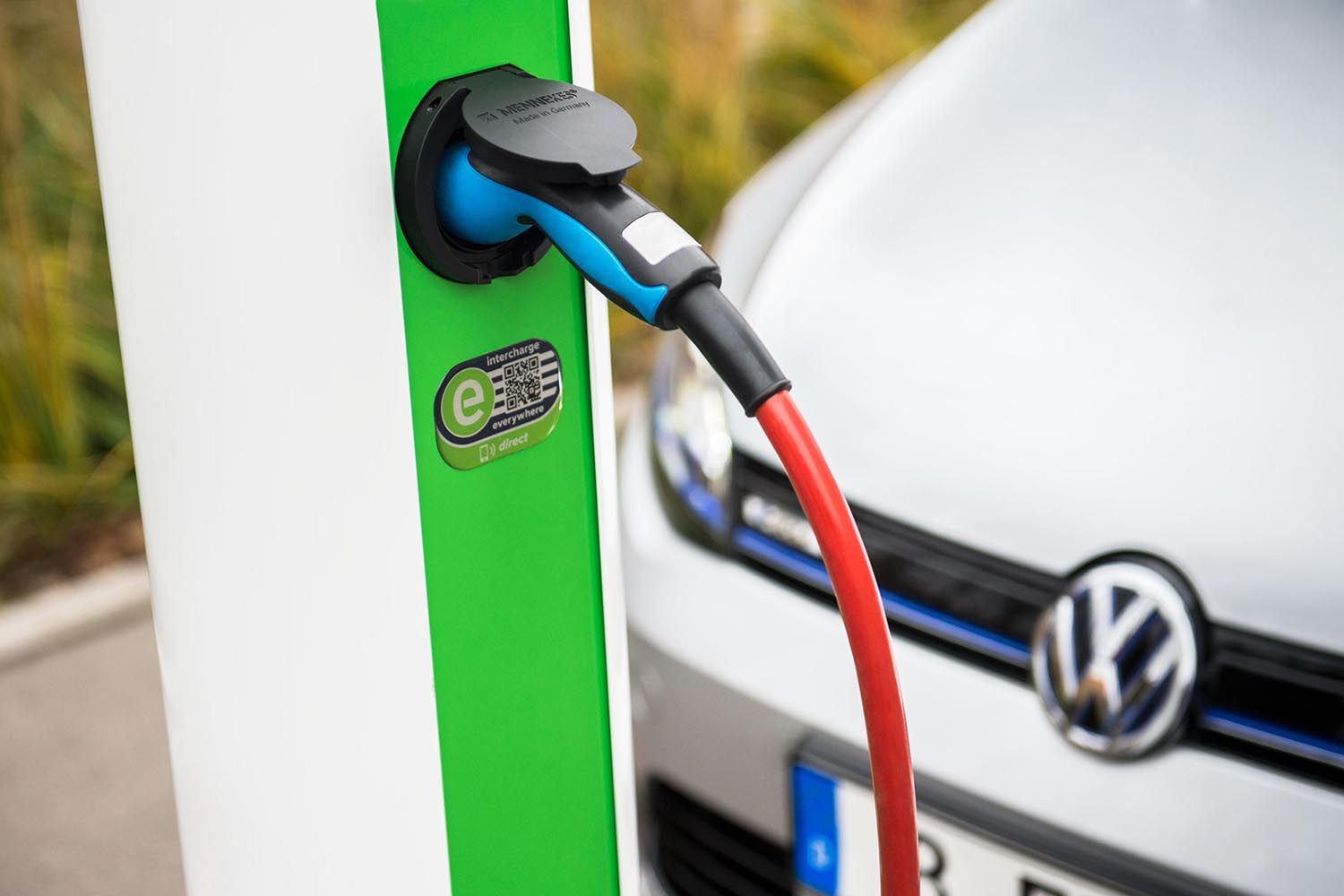 Charging your plug-in hybrid in public
