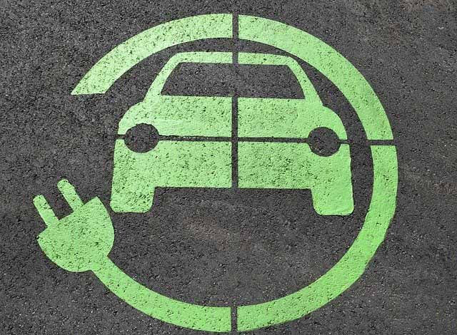 How long does it take to charge an electric car? Image