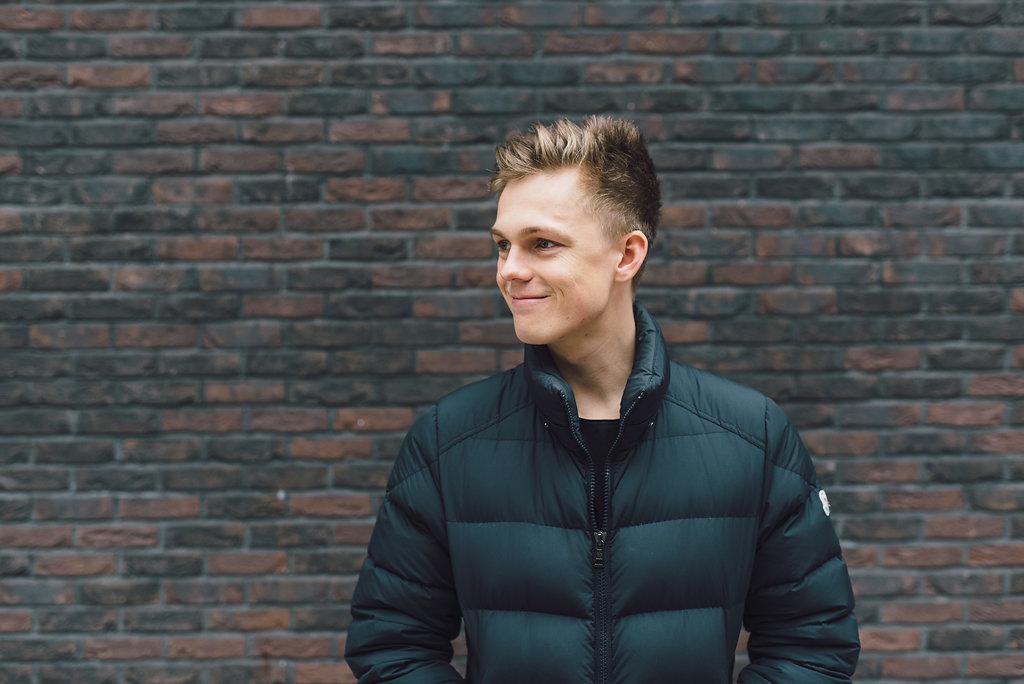 Caspar Lee Wiki Age Height Net Worth Girlfriend Is He Gay