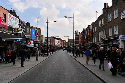 Death of the High Street? Not if mobile technology can help it