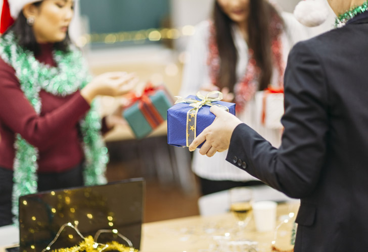 4 steps to giving tax-free gifts to employees this Christmas