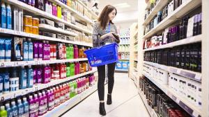 Unilever cuts plastic