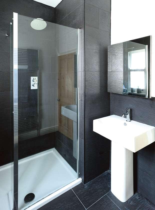 Monochrome decorated bathroom