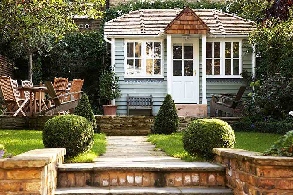 Timeless garden room summer house