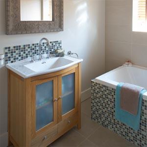 Vanity unit in the family bathroom