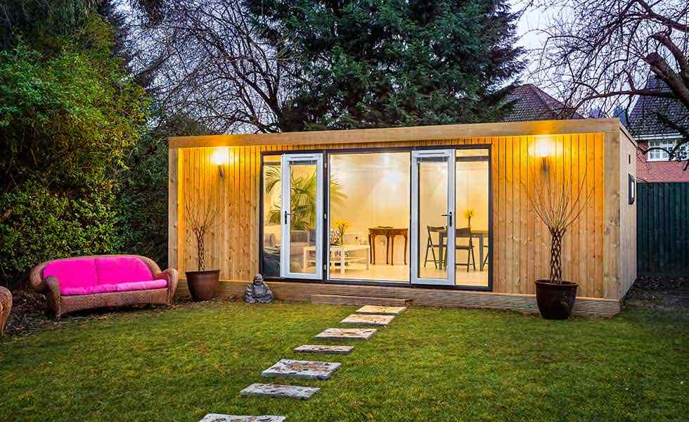New looks for garden rooms real homes for Green garden rooms