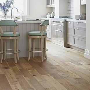 Simply Oak flooring range from Kersaint Cobb in SO22 Rustic Natural oak
