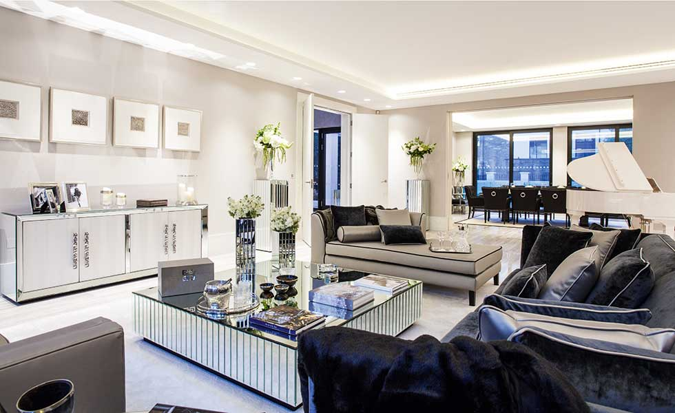 Celia-Sawyer-luxury-living-room