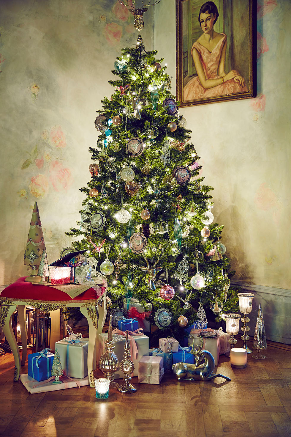 5 beautiful christmas decorating ideas real homes - Fortnum and mason christmas decorations ...