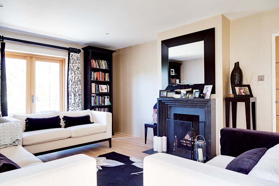 solley-house-monochrome-living-room