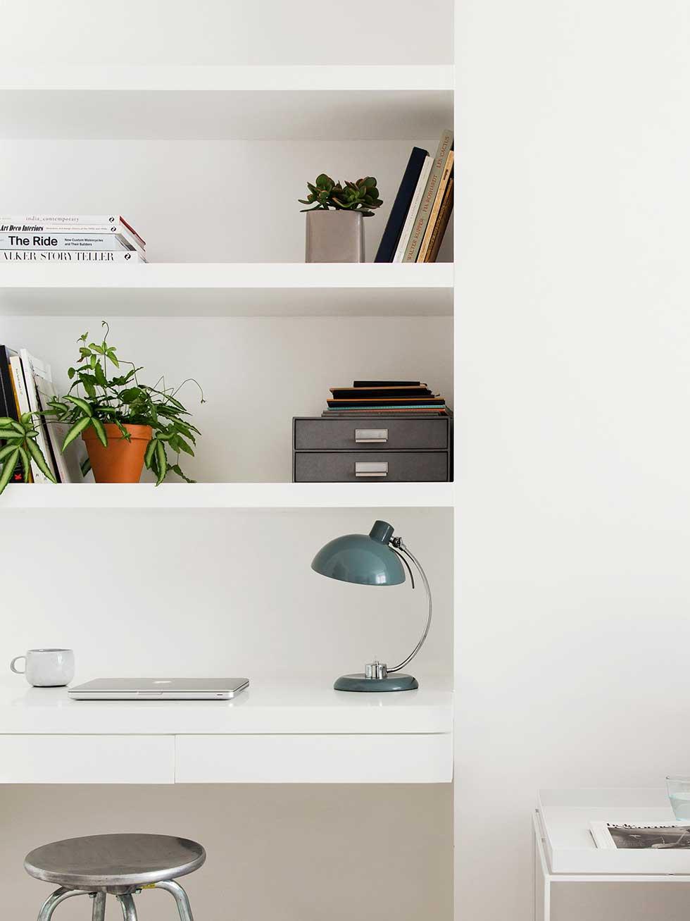 london flat white built in workspace shelves