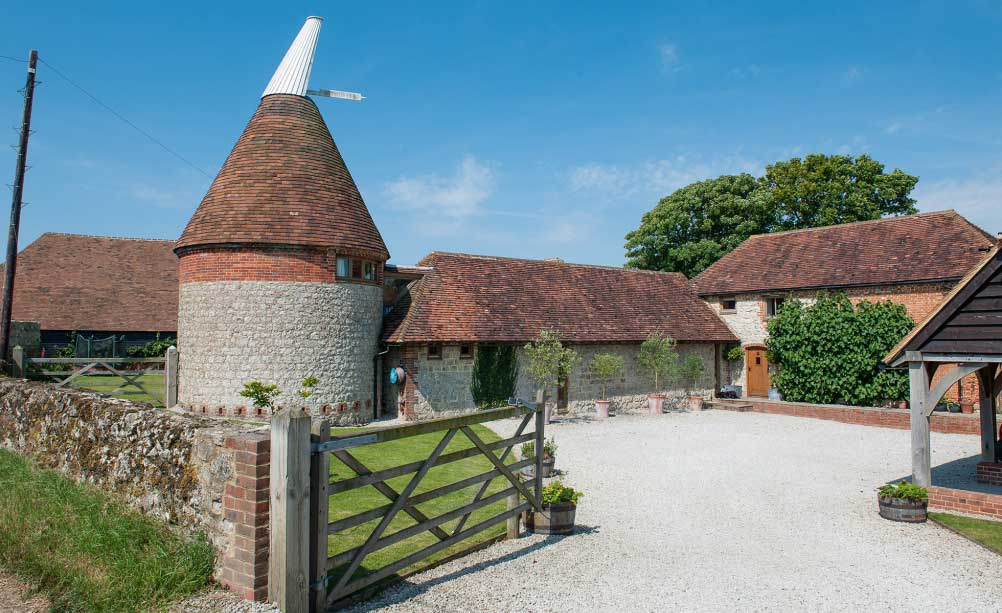 oast-house-and-barn-1002x667