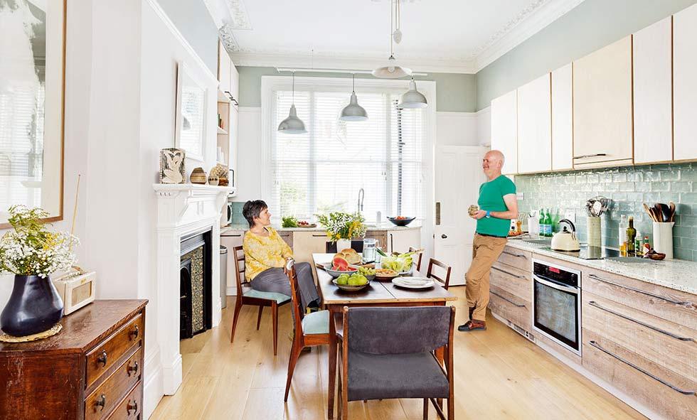 carpenter made kitchen in a victorian flat renovation