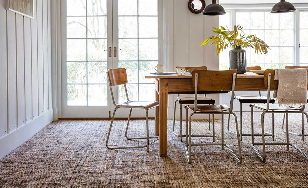 Jute boucle carpet table and chairs