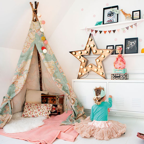 childrens bedroom with tent feature