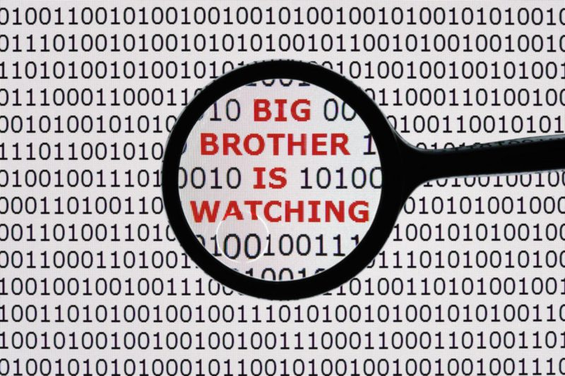 Big Data. Chi si sta arricchendo su di noi? L'insidiosa economia dei big data | Big Think