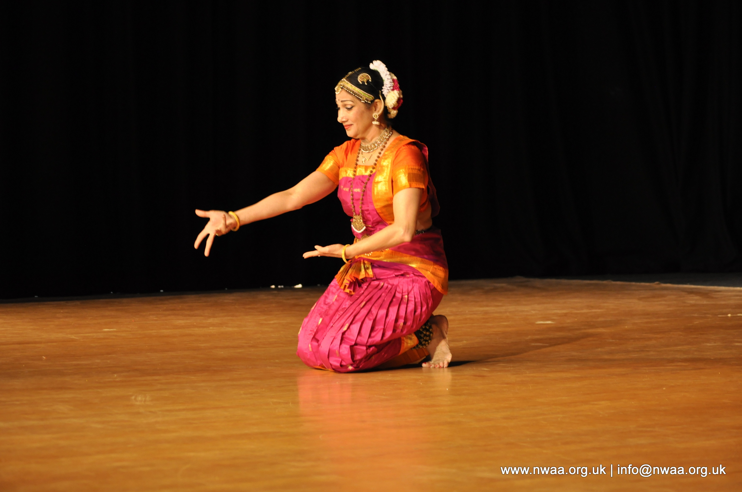 Bharatanatyam by Dr Swati Raut - North West Asian Arts - 2015